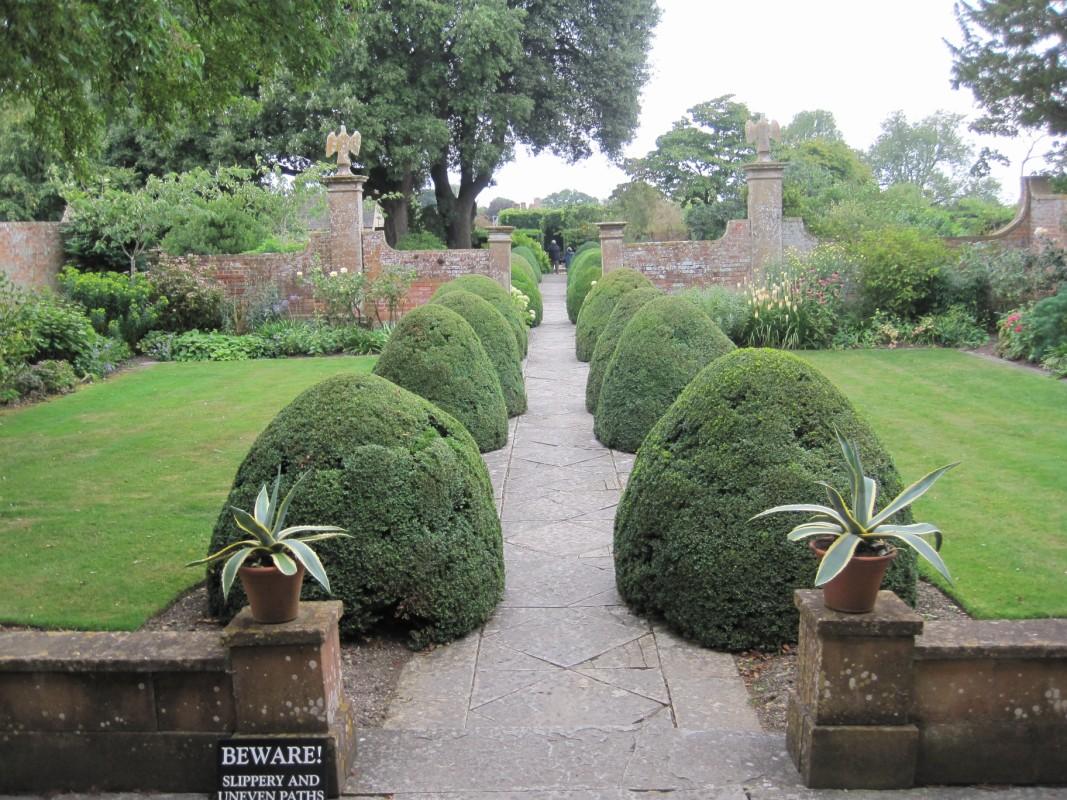 Tintinhull viaje a visitar jardines ingleses - Casas con jardines bonitos ...